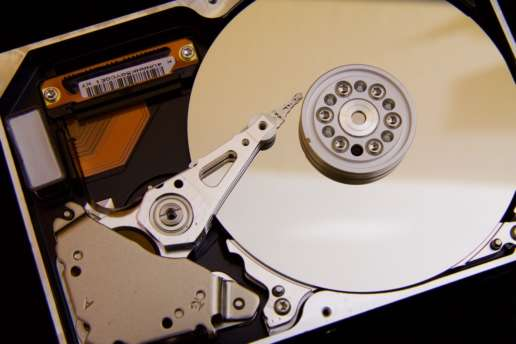 Importance of Data Recovery Services – Commonly Used Data Recovery Software